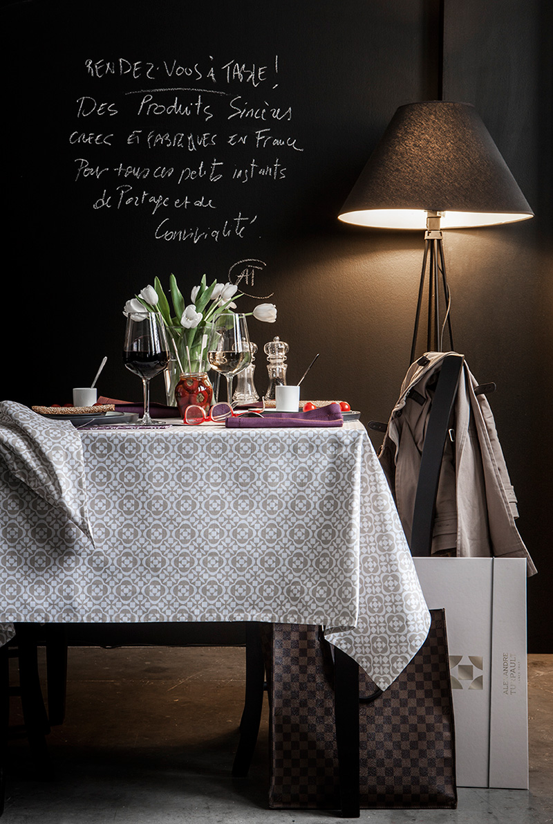 ma table fa on carreaux de ciment madame d core. Black Bedroom Furniture Sets. Home Design Ideas