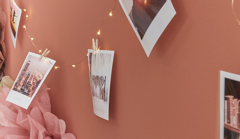 Comment Accrocher Une Guirlande Lumineuse Au Mur 8 idées pour décorer son intérieur avec une guirlande