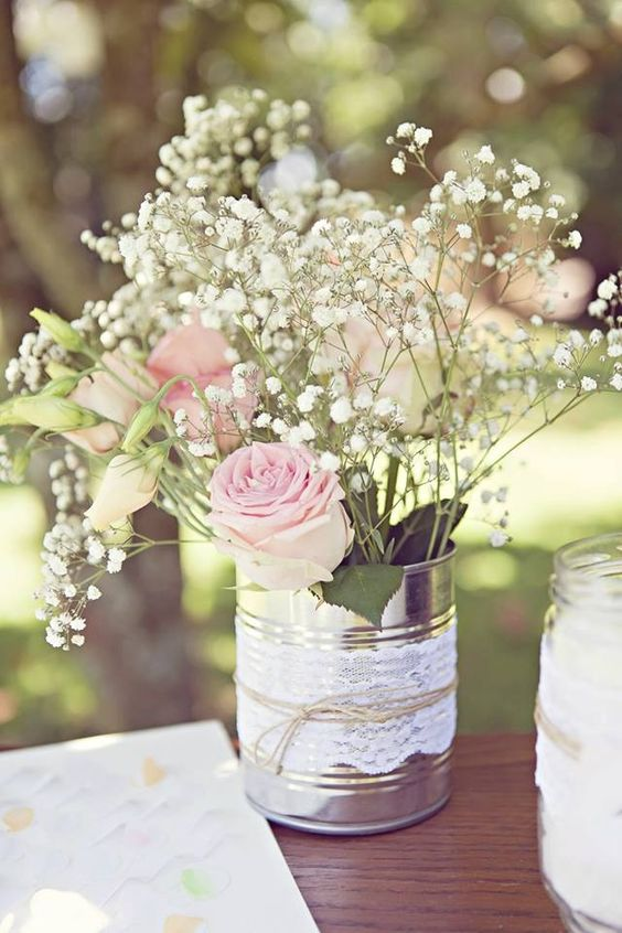 10 compositions florales pour faire entrer le printemps for Table exterieur diy