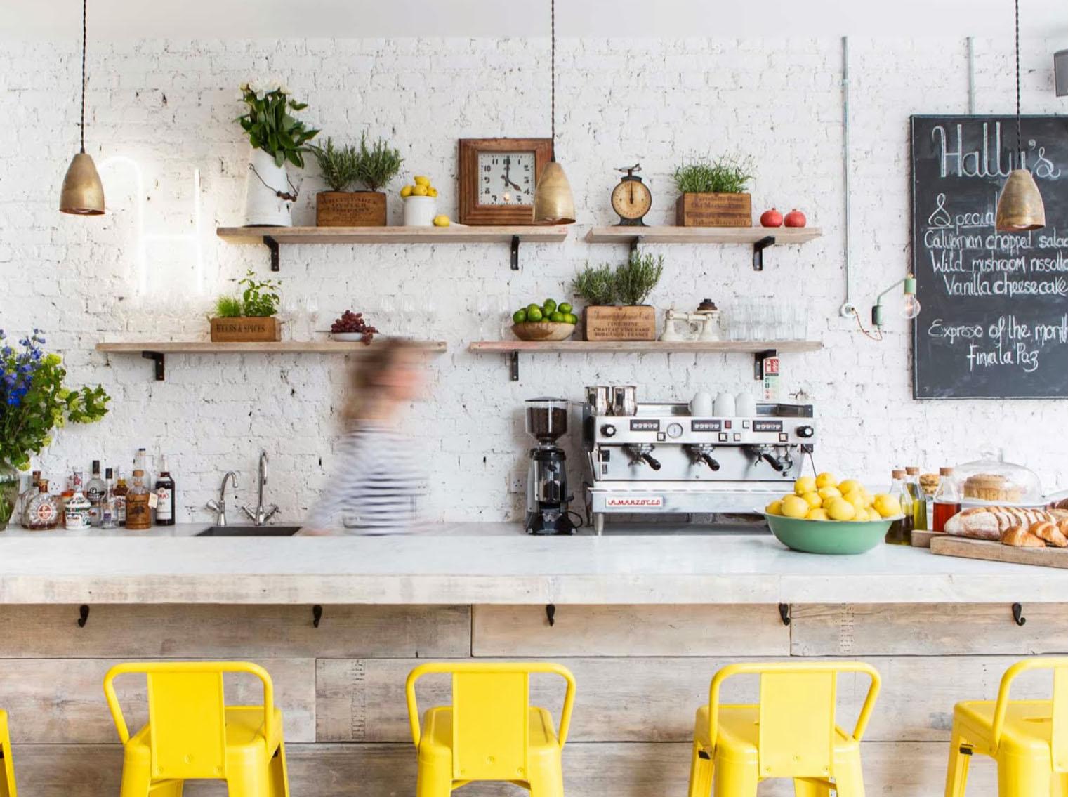 comment clairer une pice sombre amazing des murs et des sols de couleurs claires with comment. Black Bedroom Furniture Sets. Home Design Ideas