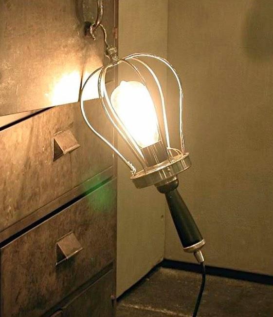 Le Retour De Lampoule à Filaments Et Du Luminaire