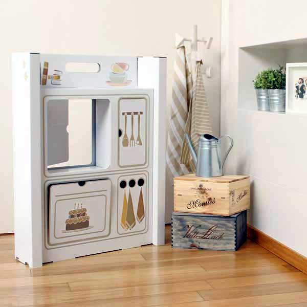 une maison en carton madame d core. Black Bedroom Furniture Sets. Home Design Ideas