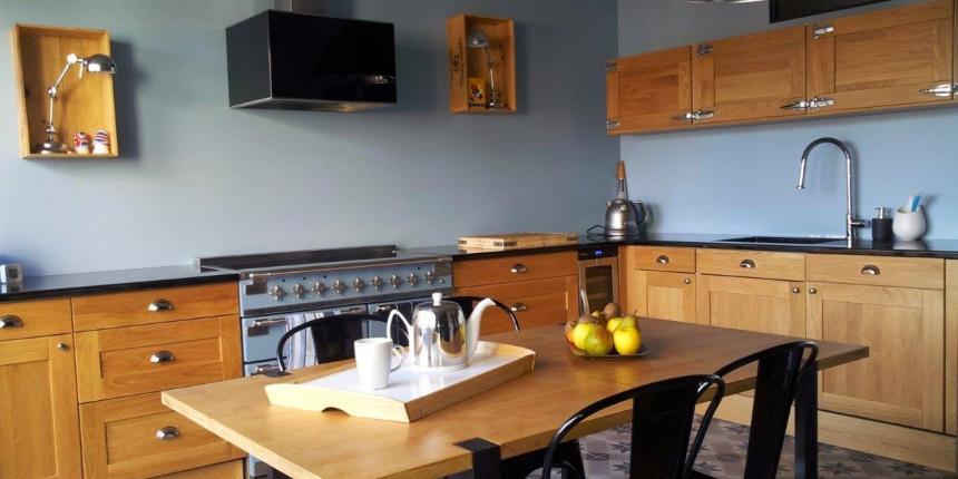Une cuisine industrielle et vintage madame d core for Article de cuisine ares
